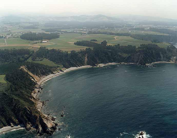 Playa de Armazá en Coaña - imagen 1
