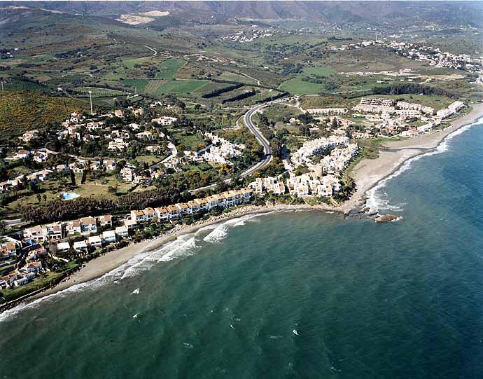 Playa de Arroyo Vaquero / Guadalobón en Estepona - imagen 3