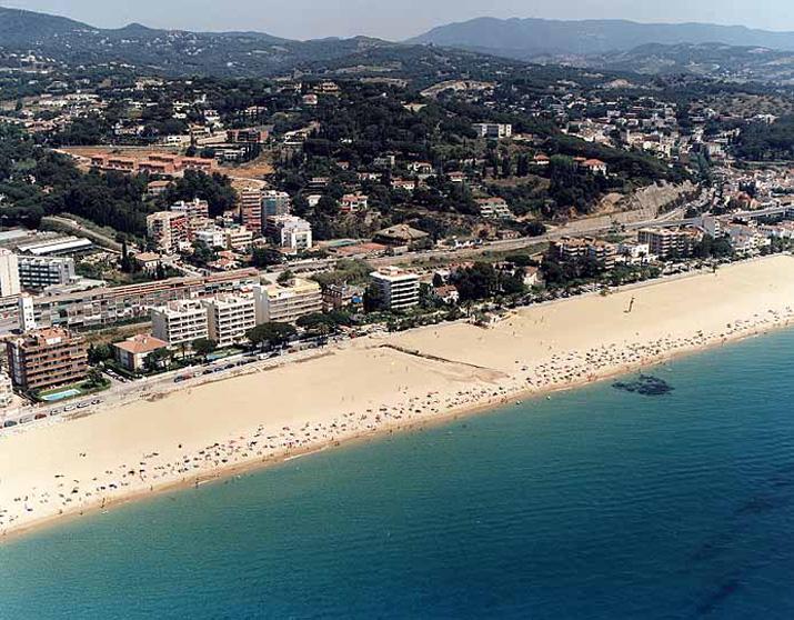 Playa de Bassiot / Platja del Passeig del Mar / Platja del Kalima en Caldes d'Estrac - imagen 2