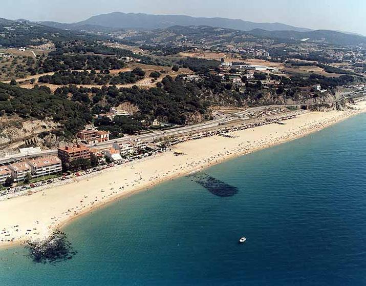 Playa de Bassiot / Platja del Passeig del Mar / Platja del Kalima en Caldes d'Estrac - imagen 3