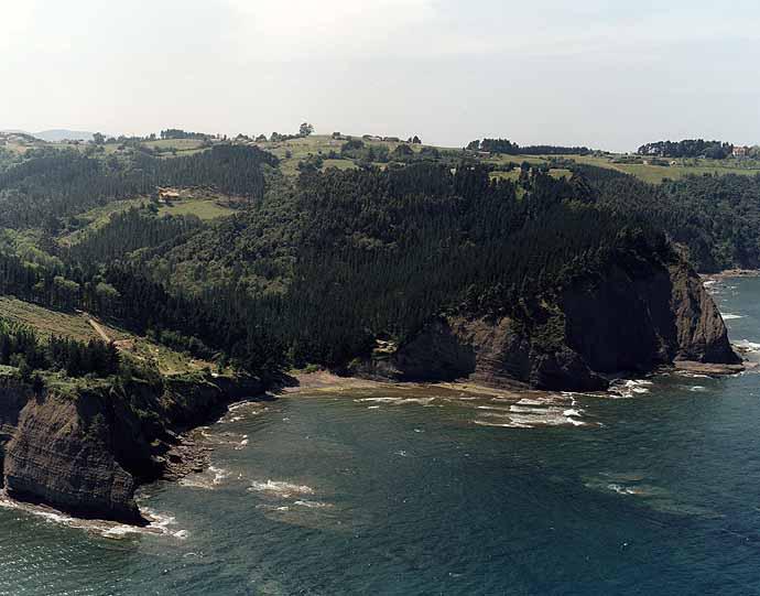 Playa de Bedarona  / Ogeia Bedarona en Ea - imagen 3