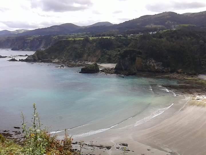 Playa de Cadavedo / La Ribeirona en Valdés - imagen 1