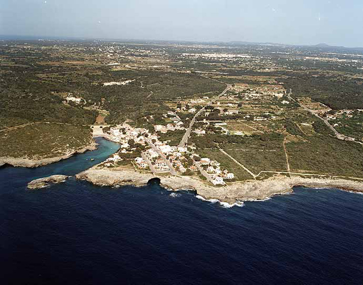 Playa de Cala Alcaufar en Sant Lluís - imagen 3