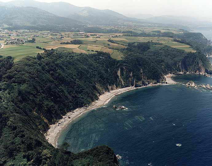 Playa de Calabón en Cudillero - imagen 1