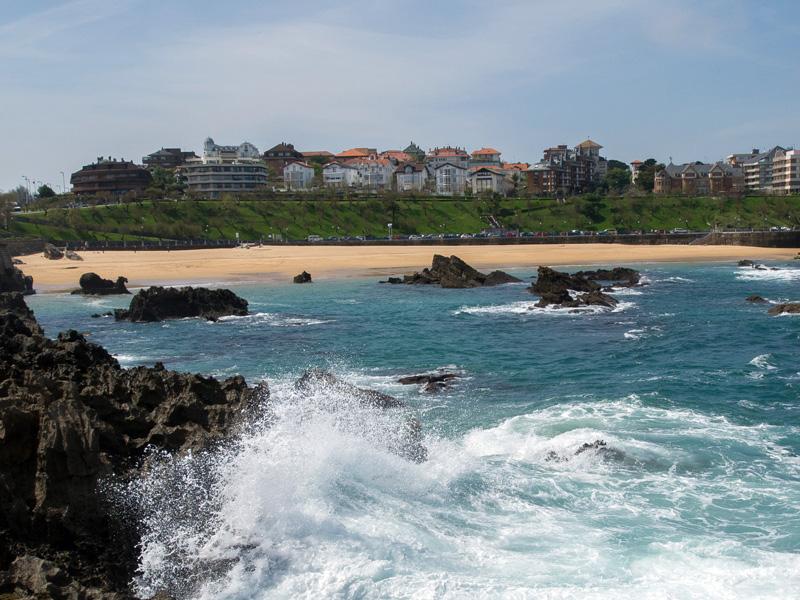 Playa de El Camello en Santander - imagen 1