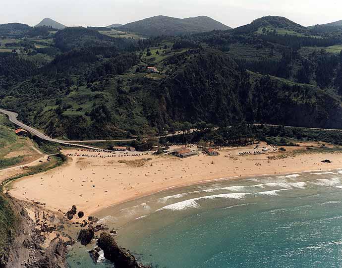 Playa de Laga en Ibarrangelu - imagen 5