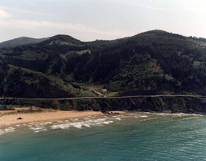 Playa de Laga en Ibarrangelu - imagen 6