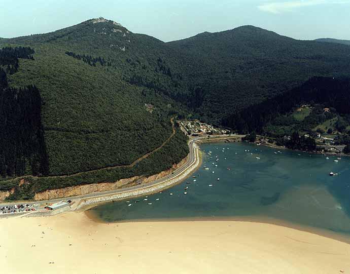 Playa de Laida en Ibarrangelu - imagen 4